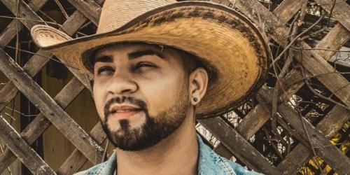 Junio Lima lança a música 'Alambique'