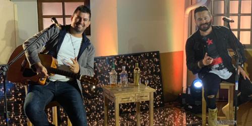 Roger e Gabriel lançam a música 'Volto pra mesa do bar'