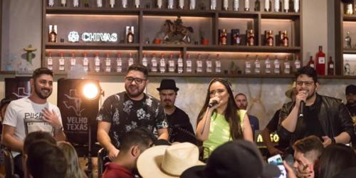 Jonas e Juliano lançam a musica 'Seu Hobby' com Luiza e Maurilio