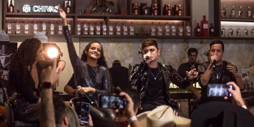 'Piadinha Sem Graça': Natalia e Laura cantam com PH e Michel