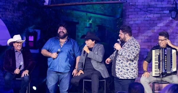 'Live na Fazenda': Trio Parada Dura e César Menotti e Fabiano cantam sucessos no domingo