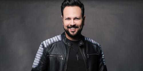 Adriano Almeida trabalha a divulgação da música 'Neguinha'