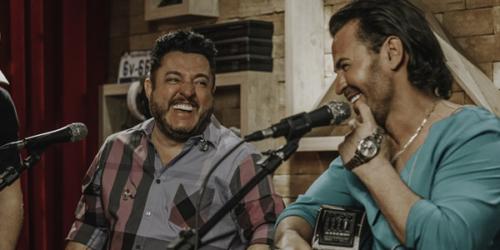 Eduardo Costa e Bruno cantam 'Vida Pelo Avesso'