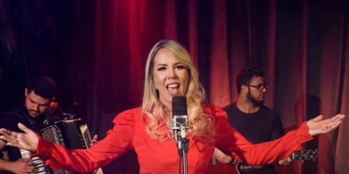 Cantora Keissi Seabra lança a música 'De Conchinha Com a Saudade'