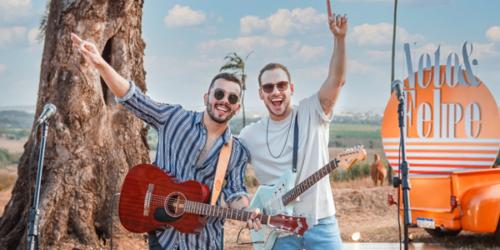 A dupla Neto e Felipe lança primeiro single do seu 'DVD Saudade é Mato'
